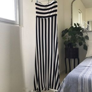 Maxi Summer/ Vacation Dress Black and White